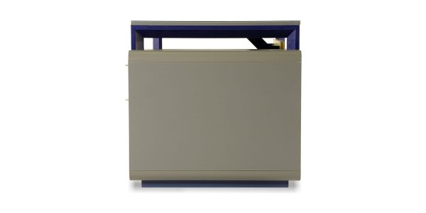 Neka G administrative desk, part of Neka family, offers two drawers with the file archiving ability and curved corners. The decorative compartment, at the exterior view, adds an aesthetic charm to the product.